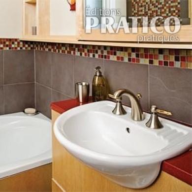 Salle de bain petite et sophistiqu e salle de bain avant apr s d coration et r novation for Petite salle de bain renovation