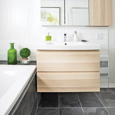 transfo salle de bain lumineuse fonctionnalit salle de bain inspirations d coration et. Black Bedroom Furniture Sets. Home Design Ideas