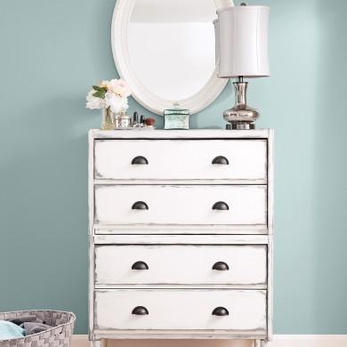 en tapes transformer une commode avec de la peinture en tapes d coration et r novation. Black Bedroom Furniture Sets. Home Design Ideas