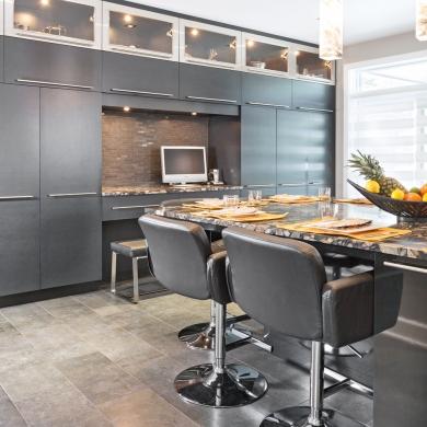 du rangement mur mur cuisine inspirations d coration et r novation pratico pratique. Black Bedroom Furniture Sets. Home Design Ideas