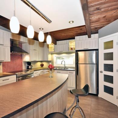 une cuisine tout en longueur cuisine avant apr s d coration et r novation pratico pratique. Black Bedroom Furniture Sets. Home Design Ideas