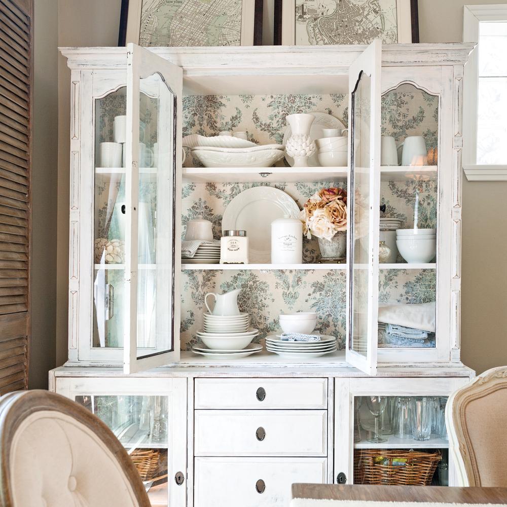 diy donner un look champ tre un vaisselier en tapes d coration et r novation pratico. Black Bedroom Furniture Sets. Home Design Ideas