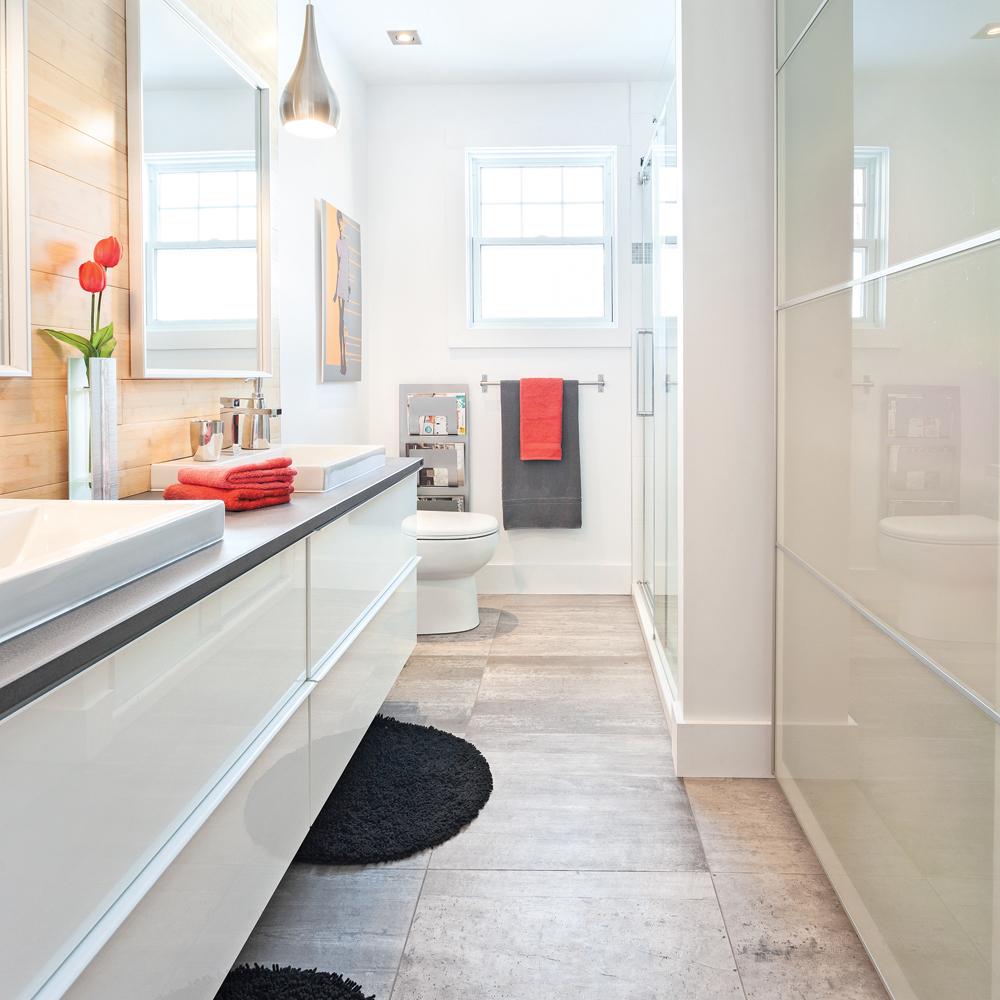 transfo rafra chissante la salle de bain salle de bain avant apr s d coration et. Black Bedroom Furniture Sets. Home Design Ideas