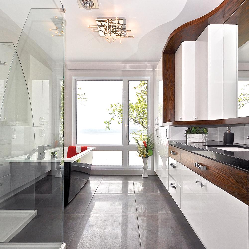 comment optimiser l 39 espace dans la salle de bain je d core. Black Bedroom Furniture Sets. Home Design Ideas