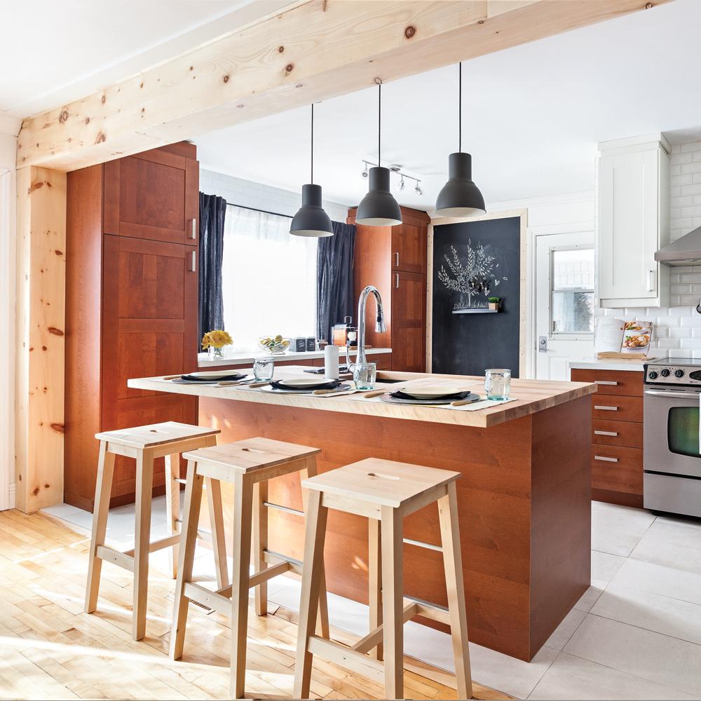 cuisine aire ouverte compl tement transform e cuisine. Black Bedroom Furniture Sets. Home Design Ideas