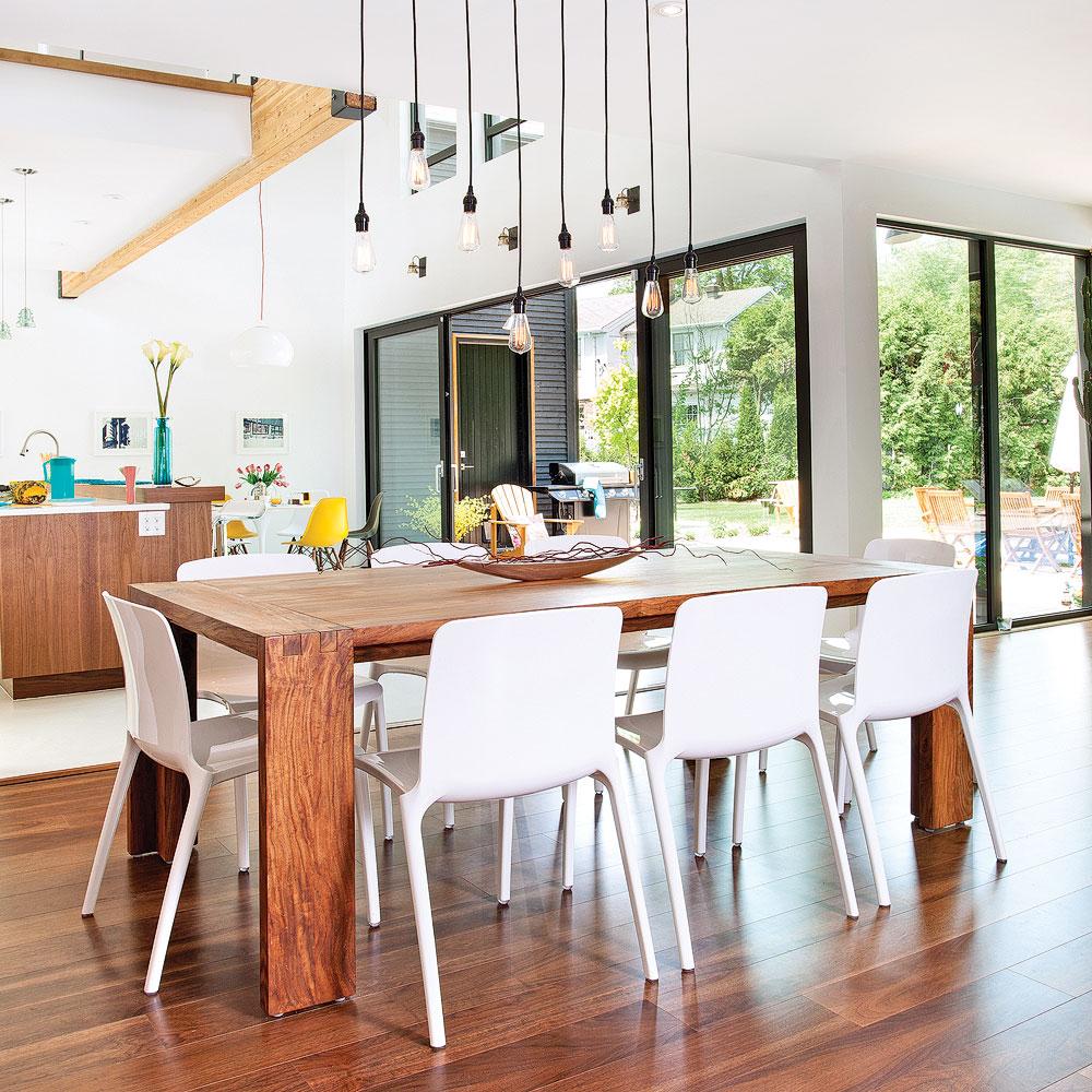 salle manger lumineuse dans une aire ouverte salle manger inspirations d coration et. Black Bedroom Furniture Sets. Home Design Ideas