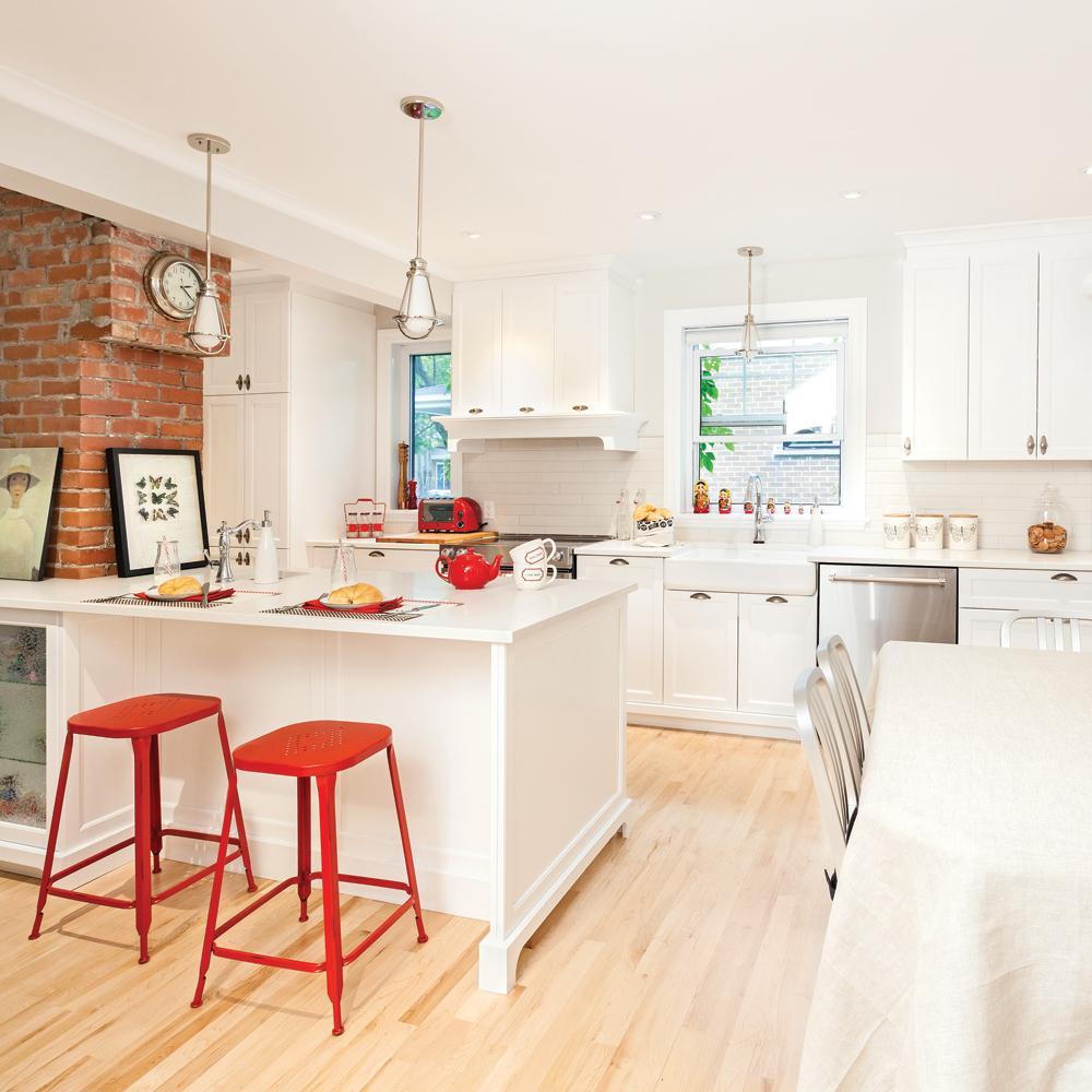 une atmosph re conviviale dans la cuisine cuisine avant apr s d coration et r novation. Black Bedroom Furniture Sets. Home Design Ideas