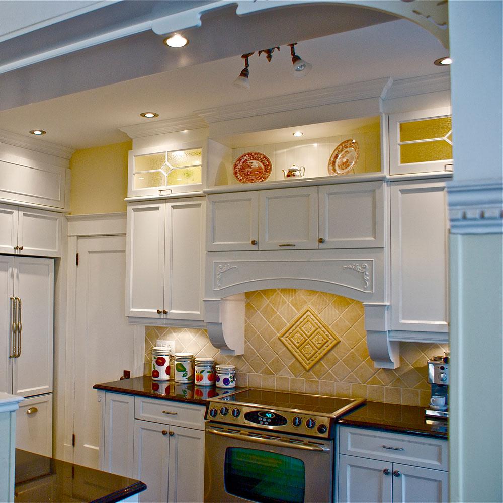 Une cuisine personnalis e inspirations d coration et for Moulure armoire cuisine