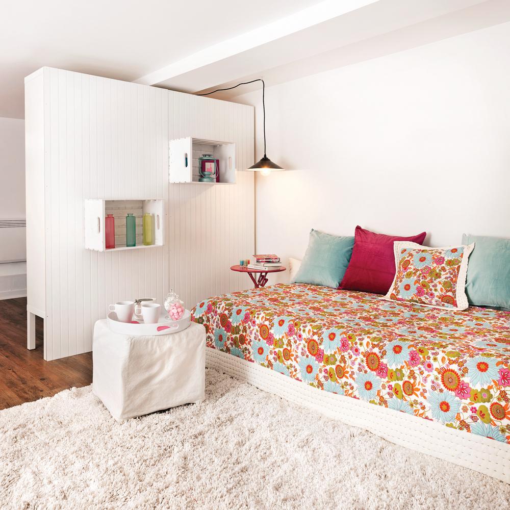 diy caisse en bois au mur chambre inspirations d coration et r novation pratico pratique. Black Bedroom Furniture Sets. Home Design Ideas