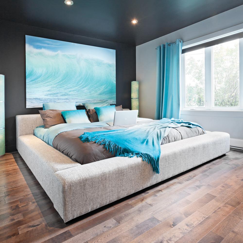 Une chambre inspir e des d clinaisons de bleu chambre for Deco chambre adulte bord de mer