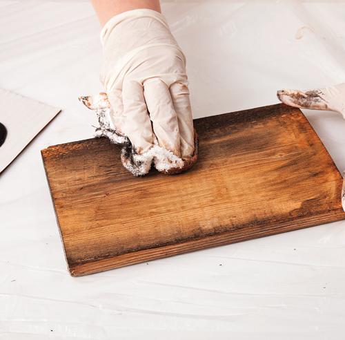Diy un miroir effet bois de grange en tapes for Salle de bain avec bois de grange