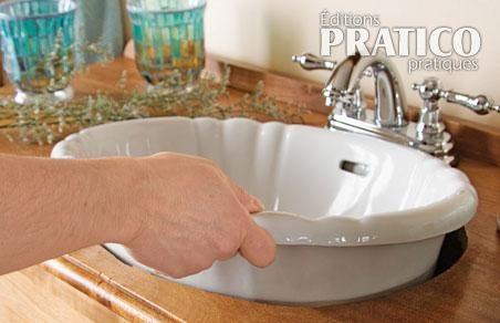 un meuble lavabo tr s commode salle de bain avant apr s d coration et r novation pratico. Black Bedroom Furniture Sets. Home Design Ideas