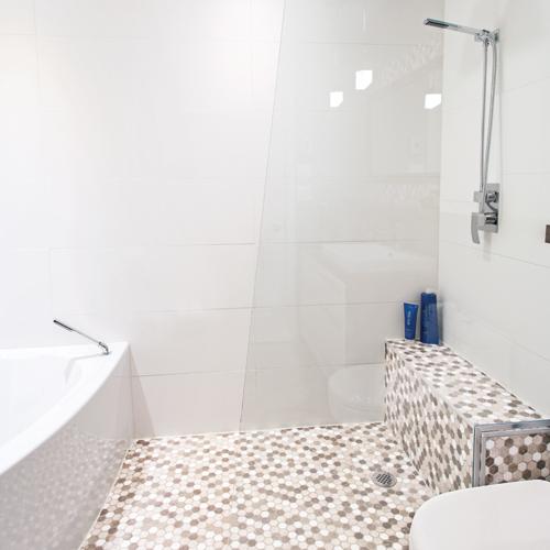 une salle de bain d 39 une douceur naturelle je d core. Black Bedroom Furniture Sets. Home Design Ideas