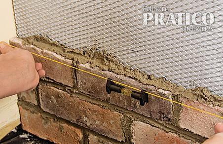 Comment installer des briquettes sur un mur en tapes d coration et r novation pratico - Enlever la mousse sur un mur exterieur ...