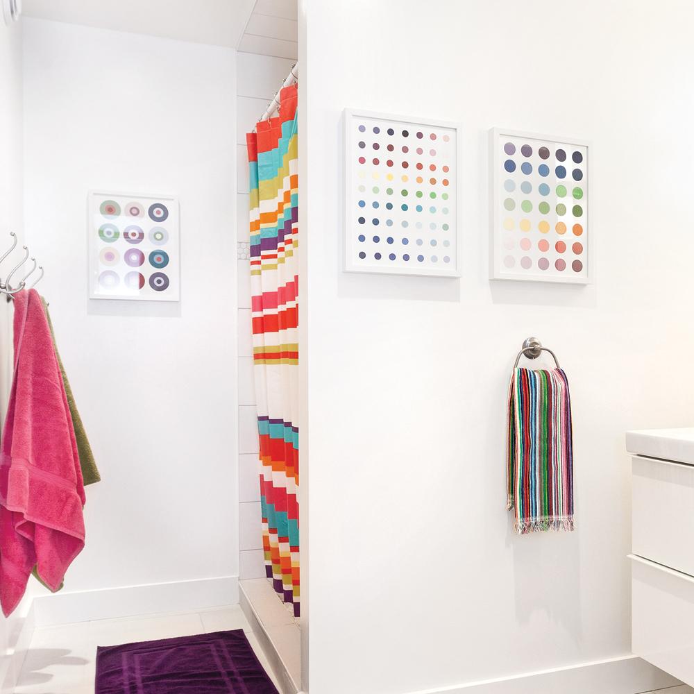 cadre diy avec chantillon de peinture en tapes d coration et r novation pratico pratique. Black Bedroom Furniture Sets. Home Design Ideas