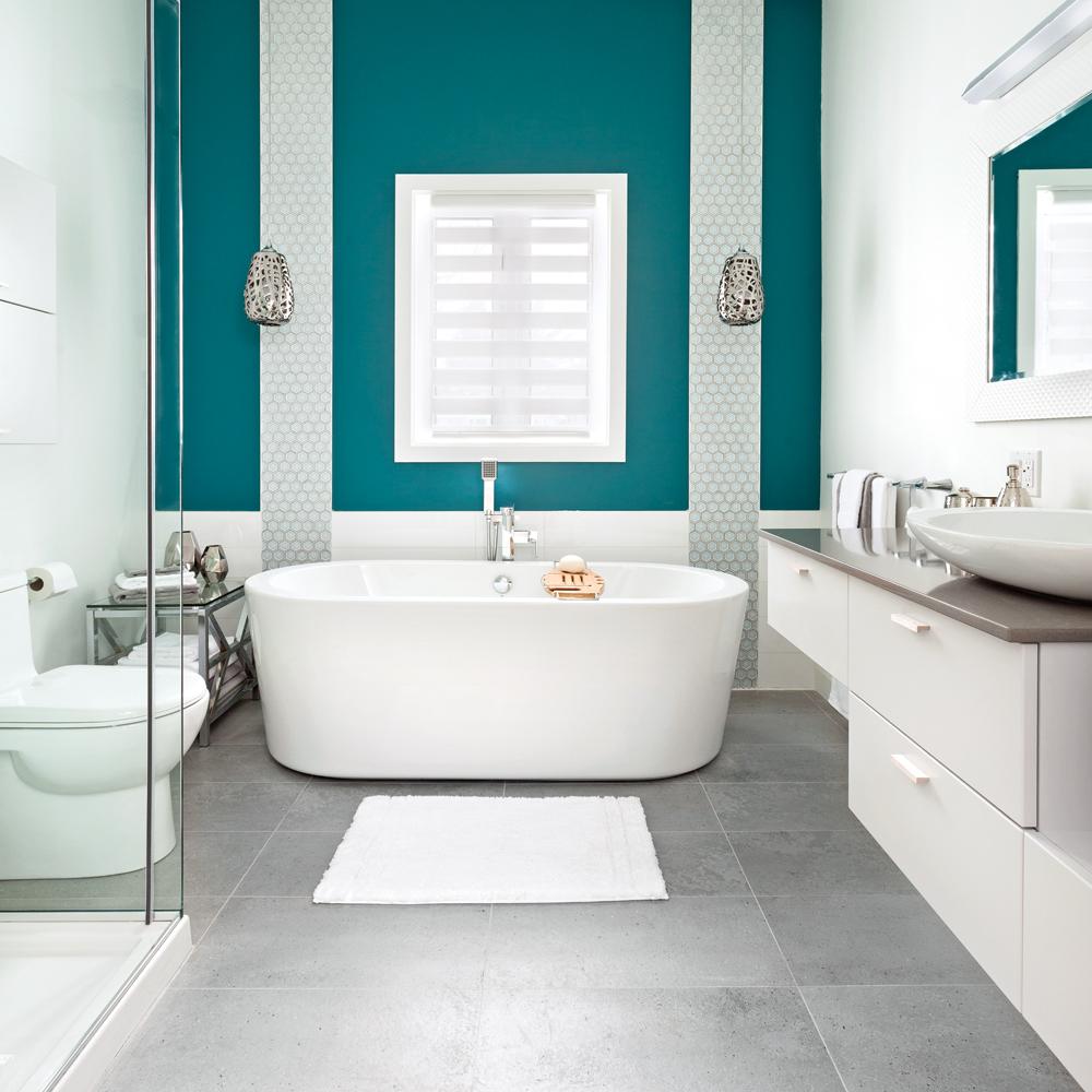 La profondeur du sarcelle dans la salle de bain salle de - Je decore salle de bain ...