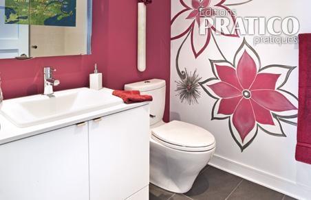 Clats de rose pour la salle de bain salle de bain for Peinture cuisine et salle de bain sico