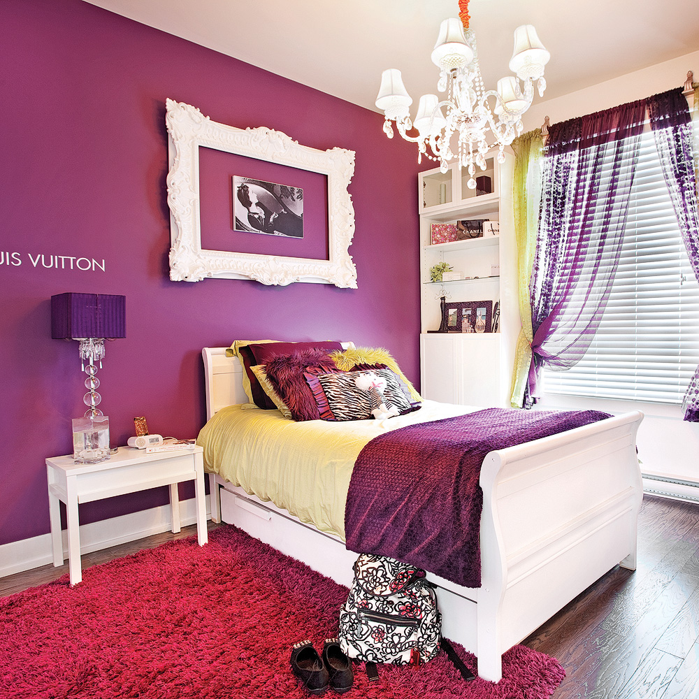 chambre glamour tout en violet chambre inspirations d coration et r novation pratico. Black Bedroom Furniture Sets. Home Design Ideas