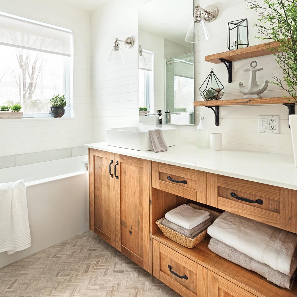 des armoires rough chic pour la salle de bain salle de bain inspirations d coration et. Black Bedroom Furniture Sets. Home Design Ideas