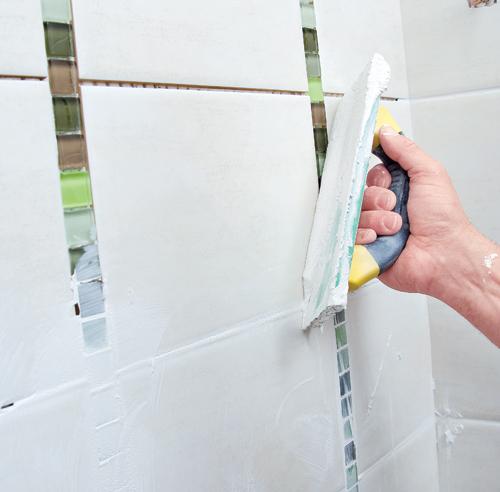 construire une douche en c ramique en tapes d coration et r novation pratico pratique. Black Bedroom Furniture Sets. Home Design Ideas