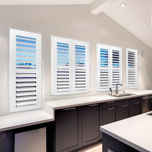 fenetre persienne amazing type de with fenetre persienne. Black Bedroom Furniture Sets. Home Design Ideas