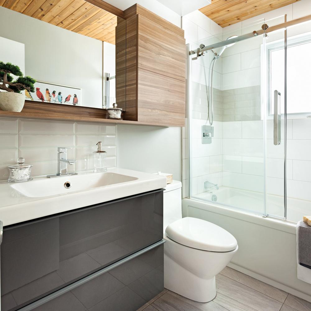 esprit nordique pour la salle de bain salle de bain avant apr s d coration et r novation. Black Bedroom Furniture Sets. Home Design Ideas