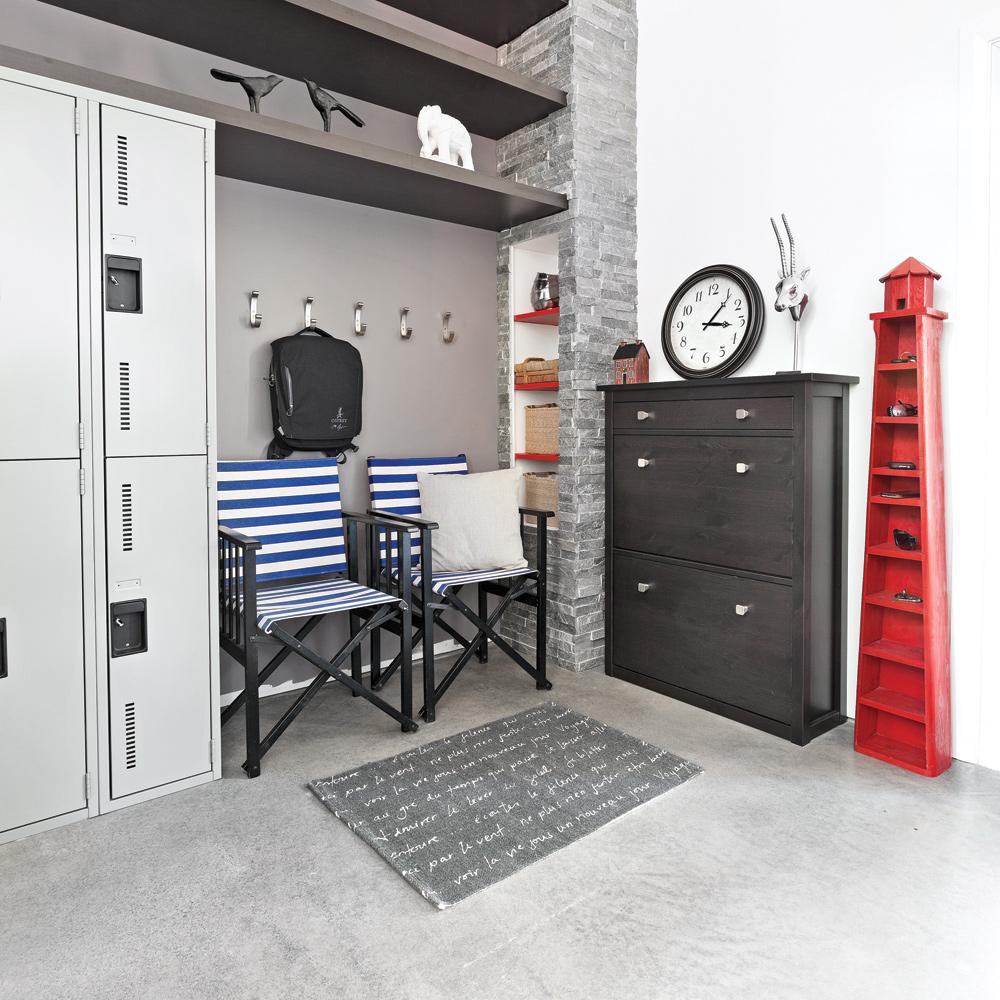 une entr e de type scolaire hall d 39 entr e inspirations d coration et r novation. Black Bedroom Furniture Sets. Home Design Ideas
