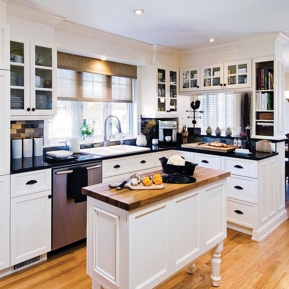 Cuisine chic et classique en noir et blanc cuisine - Cuisine blanche classique ...