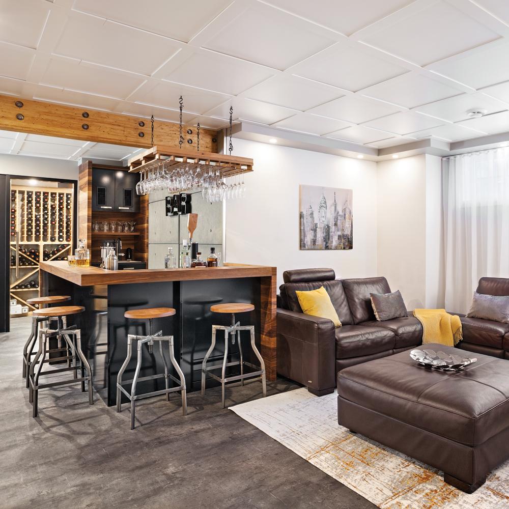 coin bar dans un sous sol a r et invitant sous sol. Black Bedroom Furniture Sets. Home Design Ideas