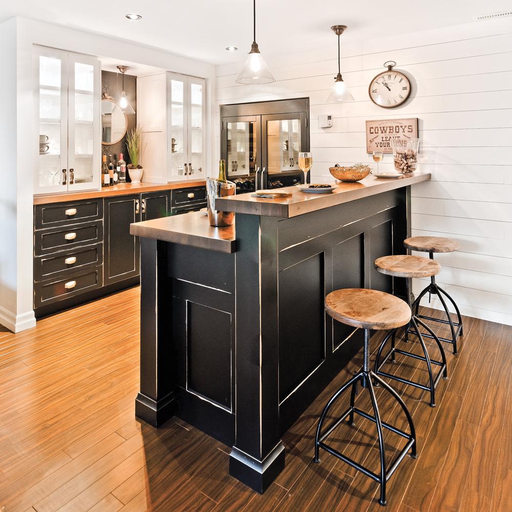 sous sol un coin bar des plus accueillants sous sol inspirations d coration et. Black Bedroom Furniture Sets. Home Design Ideas