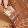 r aliser un faux fini bois sur une armoire de m lamine je d core. Black Bedroom Furniture Sets. Home Design Ideas