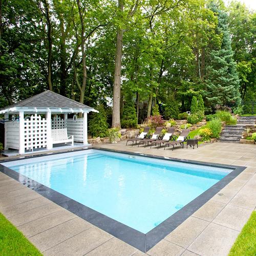 Piscine moderne cour inspirations jardinage et - Amenagement paysager autour piscine hors terre ...