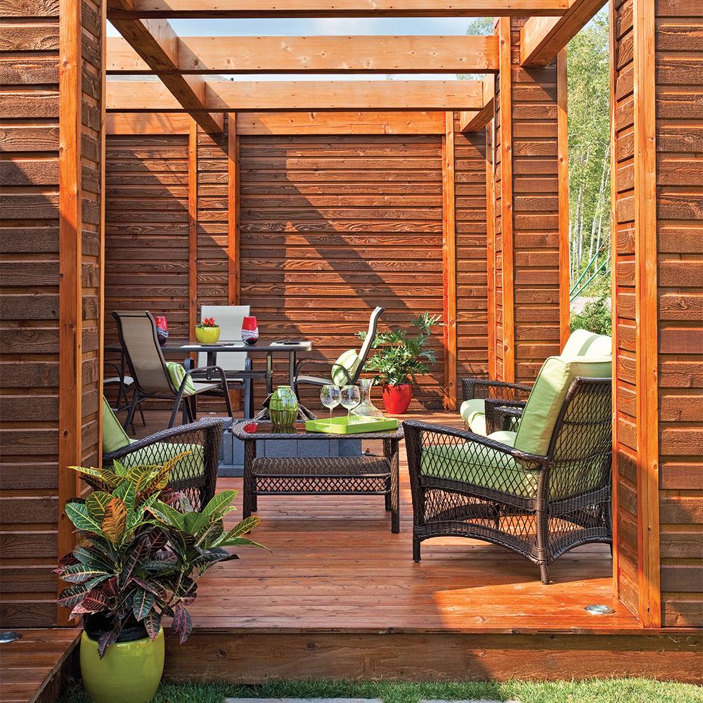 dans un crin de bois patio inspirations jardinage et ext rieur pratico pratique. Black Bedroom Furniture Sets. Home Design Ideas