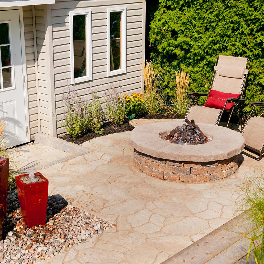 petit espace grand confort cour inspirations jardinage et ext rieur pratico pratique. Black Bedroom Furniture Sets. Home Design Ideas