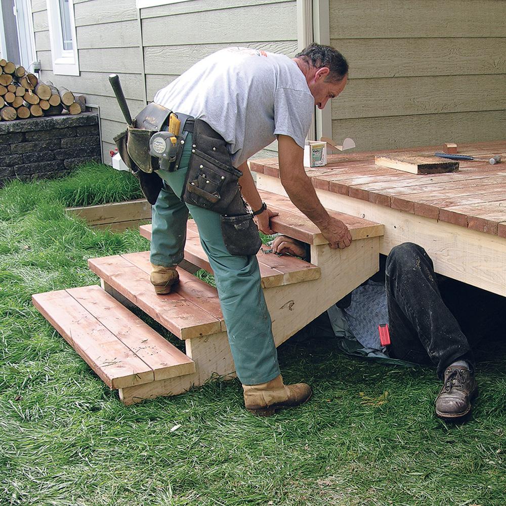 Fabriquer escalier et garde corps pour le patio Enétapes Jardinage et extérieur Pratico  # Fabriquer Un Escalier Bois