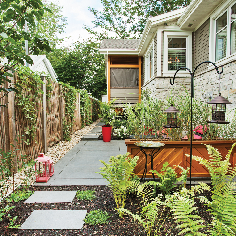 une jolie cl ture en saule pour la cour cour inspirations jardinage et ext rieur pratico. Black Bedroom Furniture Sets. Home Design Ideas