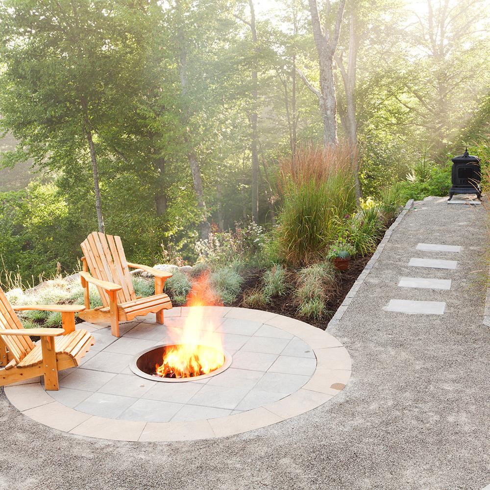 coin feu pur cour inspirations jardinage et. Black Bedroom Furniture Sets. Home Design Ideas