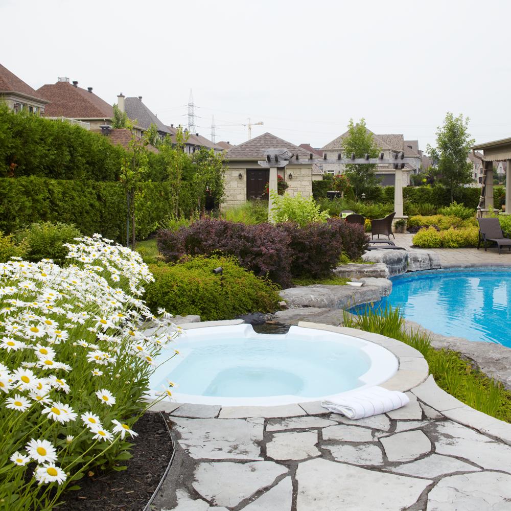 espace d tente ensoleill cour inspirations jardinage et ext rieur pratico pratique. Black Bedroom Furniture Sets. Home Design Ideas