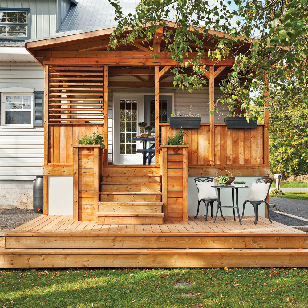 Un joli patio campagnard patio inspirations for Plan de patio exterieur en bois