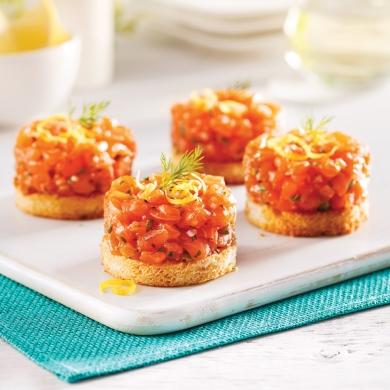 tartare de saumon sur croustillant au parmesan recettes cuisine et nutrition pratico pratique. Black Bedroom Furniture Sets. Home Design Ideas