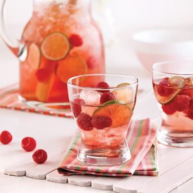 punch ros lime et framboises recettes cuisine et nutrition pratico pratique. Black Bedroom Furniture Sets. Home Design Ideas