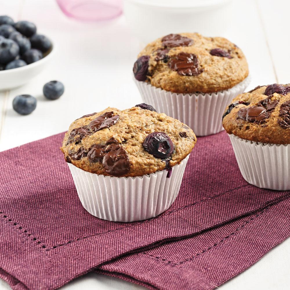 muffins aux bleuets et chocolat noir recettes cuisine et nutrition pratico pratique. Black Bedroom Furniture Sets. Home Design Ideas
