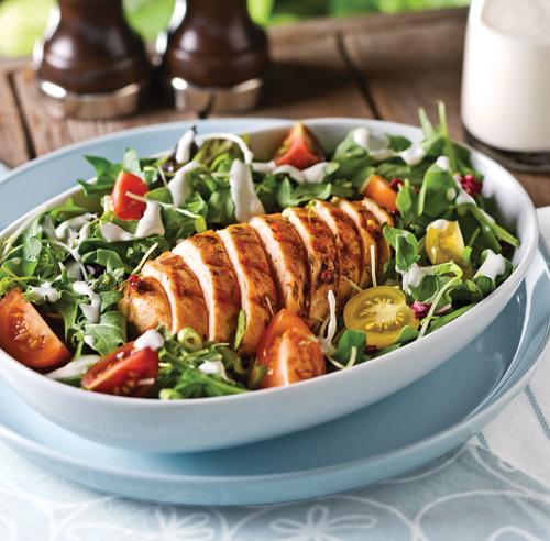 Salade de roquette au poulet grill recettes cuisine et nutrition pratico pratique - Poulet grille au barbecue ...