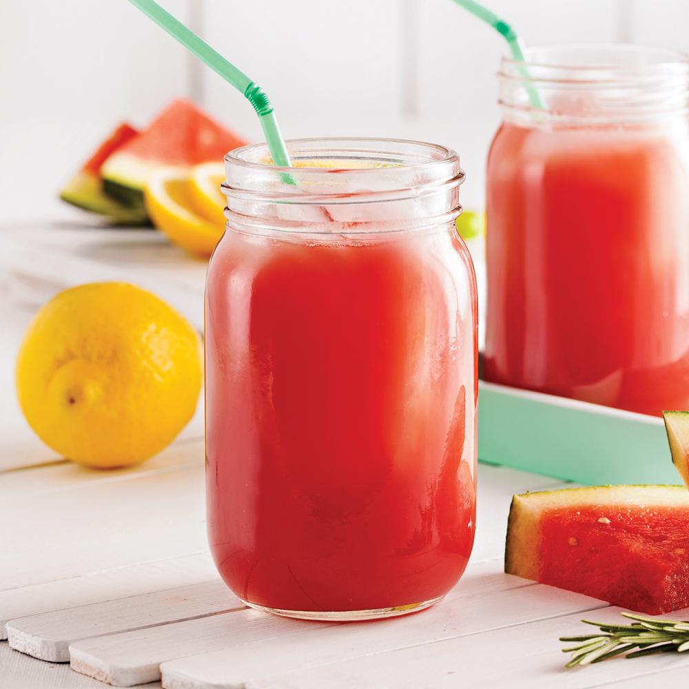 smoothie rafra chissant au melon d 39 eau et romarin recettes cuisine et nutrition pratico. Black Bedroom Furniture Sets. Home Design Ideas