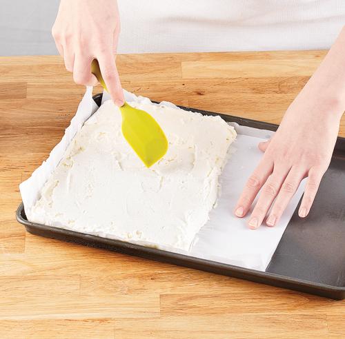 En tapes sandwichs la cr me glac e maison en tapes for Papier parchemin cuisine