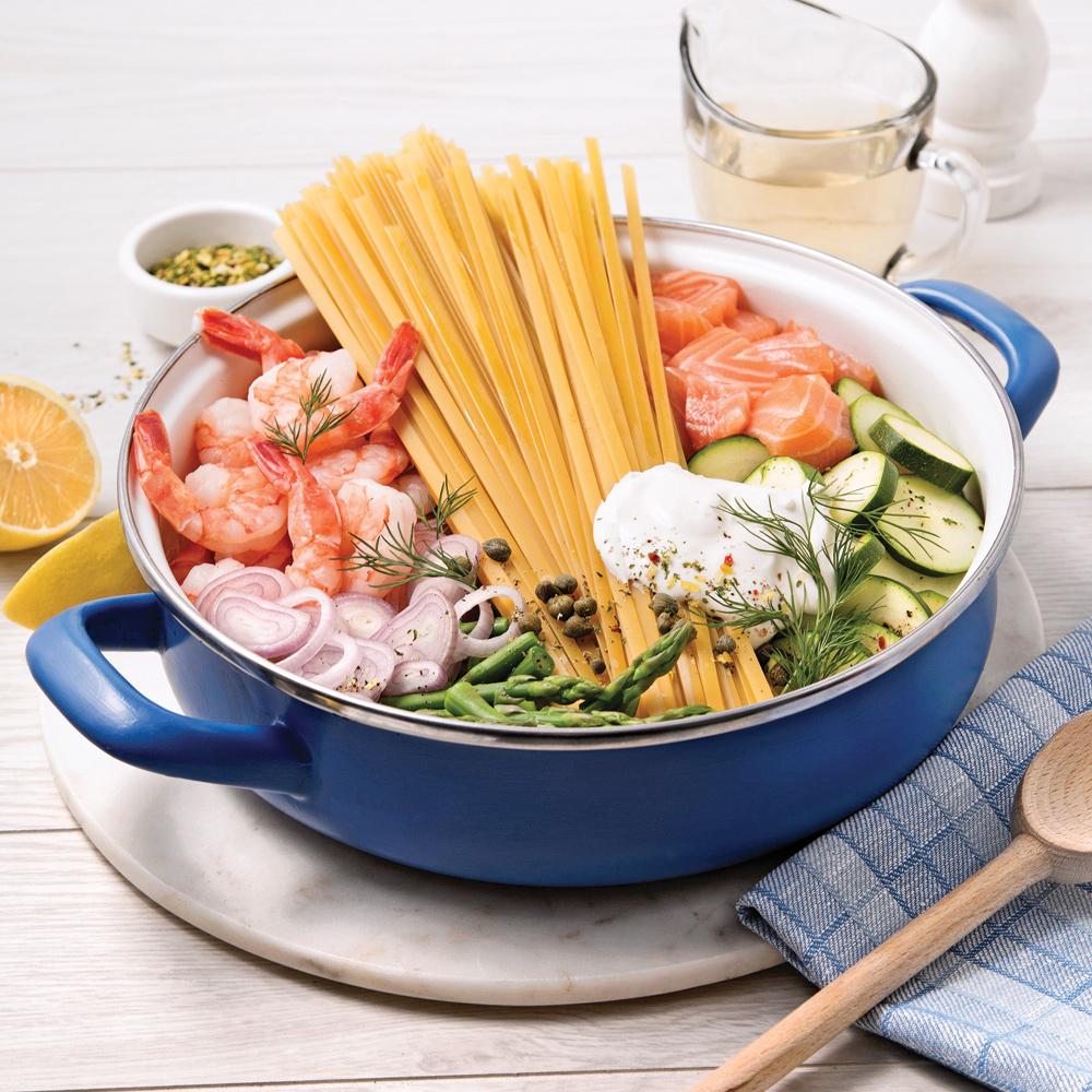 fettucines au saumon et crevettes sauce au vin blanc recettes cuisine et nutrition. Black Bedroom Furniture Sets. Home Design Ideas