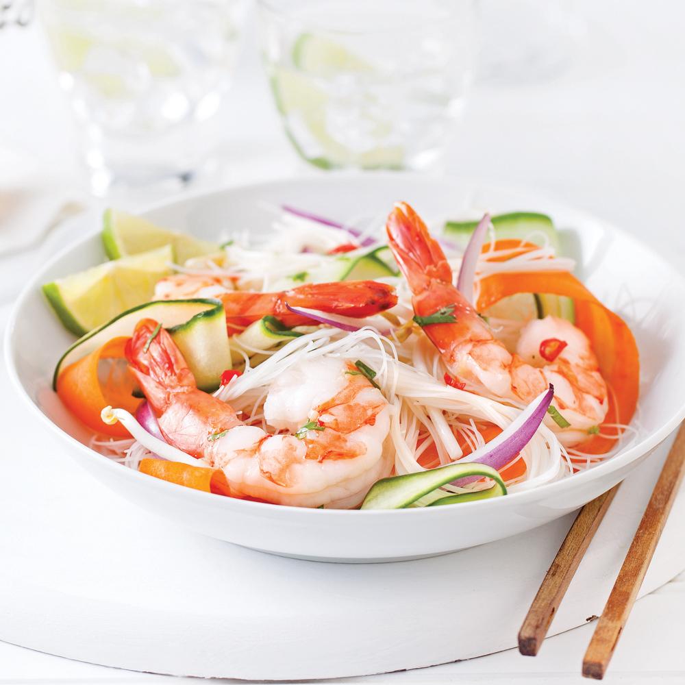salade asiatique aux crevettes et vermicelles recettes cuisine et nutrition pratico pratique. Black Bedroom Furniture Sets. Home Design Ideas