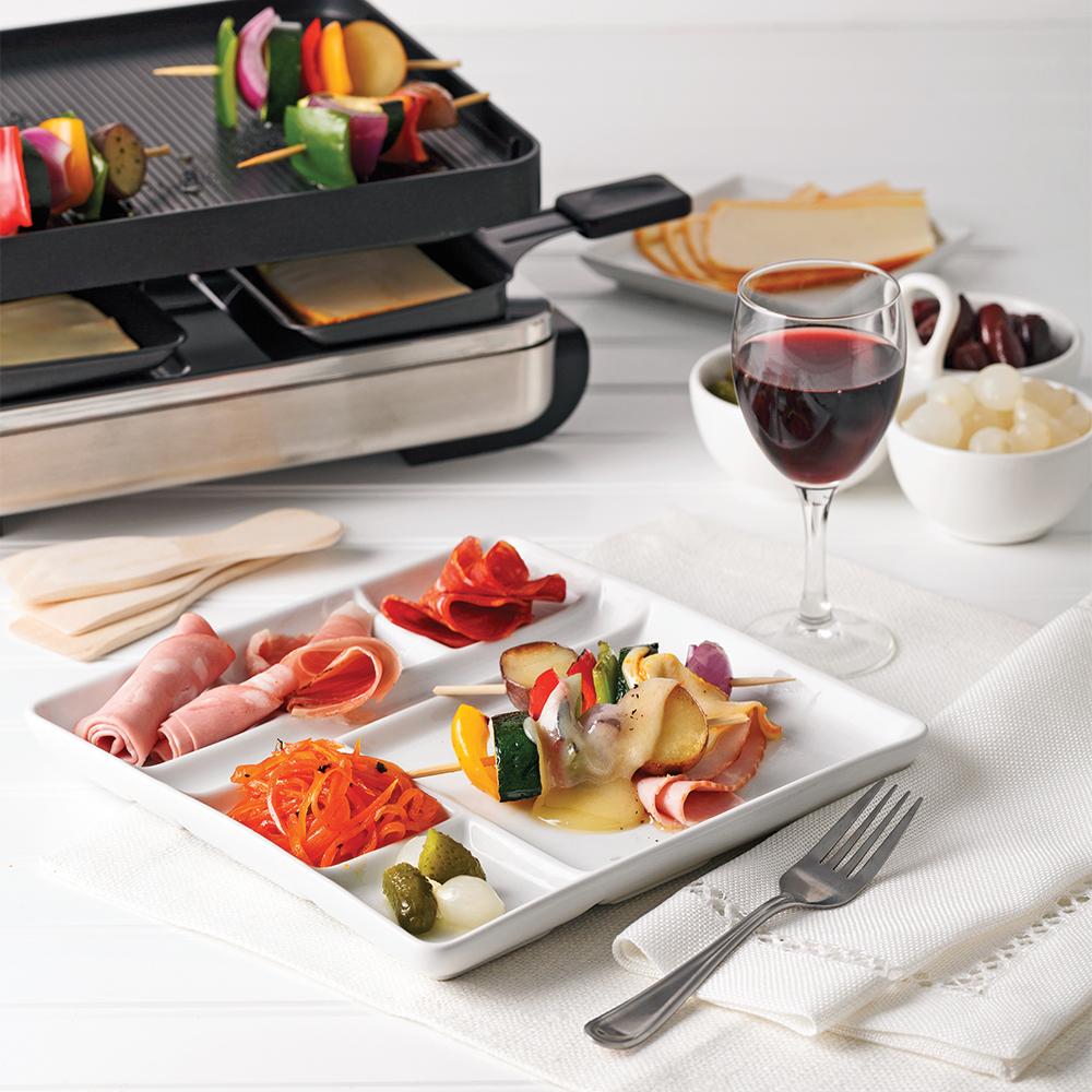 10 aliments vedettes de la raclette trucs et conseils cuisine et nutrition pratico pratique. Black Bedroom Furniture Sets. Home Design Ideas