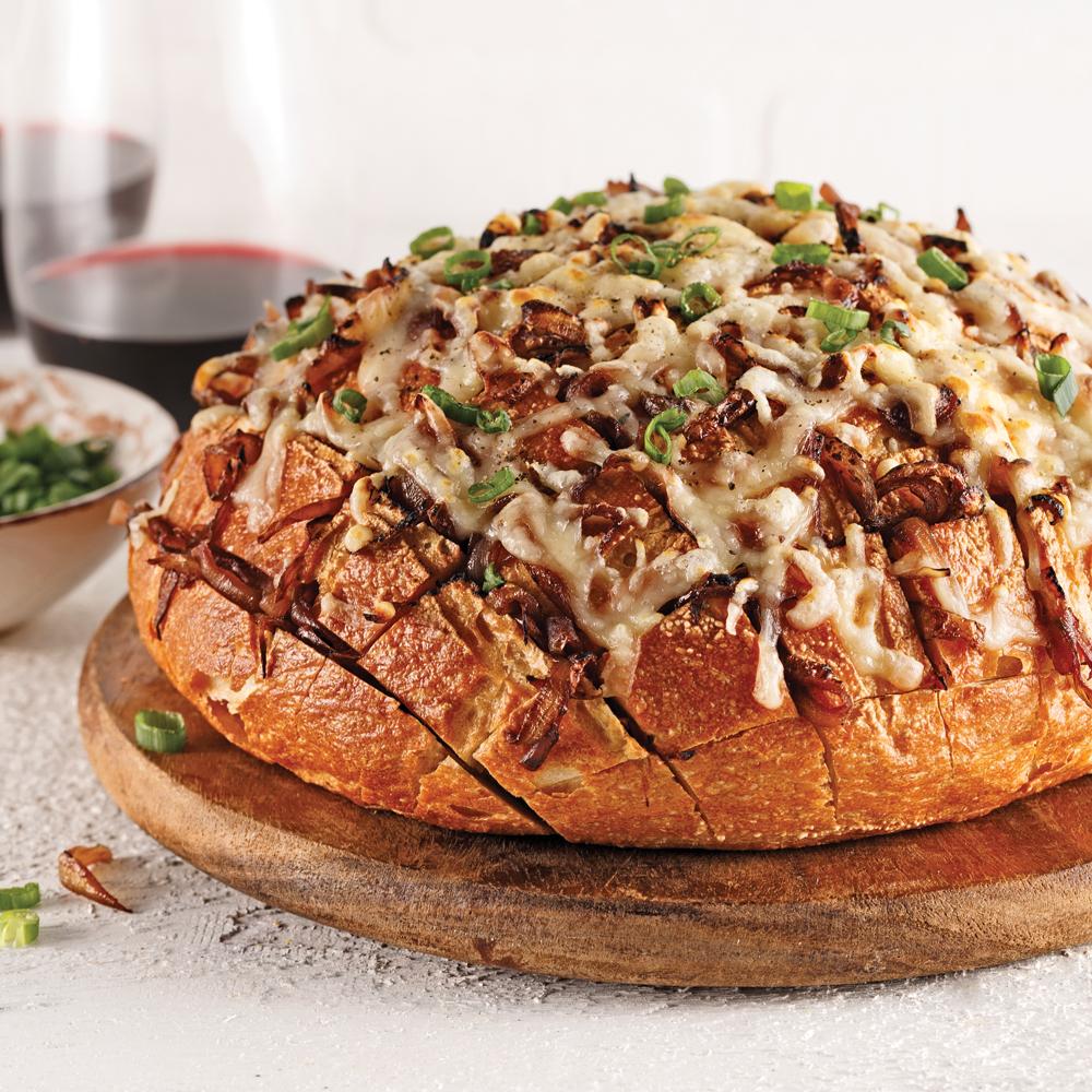 miche de pain farcie aux oignons confits et gratin e au fromage oka recettes cuisine et. Black Bedroom Furniture Sets. Home Design Ideas