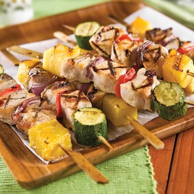 Brochettes de porc au parfum d 39 rable recettes cuisine et nutrition pratico pratique - Brochettes aperitives sans cuisson ...